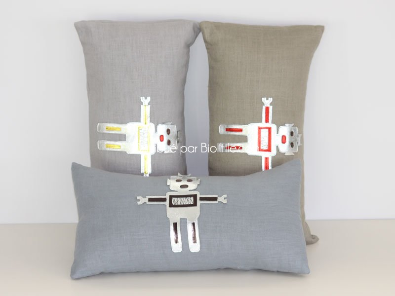 coussin robot gris bleu lin coussin bios mouche. Black Bedroom Furniture Sets. Home Design Ideas