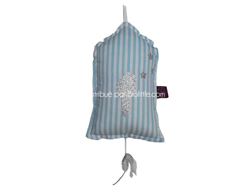 suspension musicale gloriette 39 azur 39 nini la duchesse. Black Bedroom Furniture Sets. Home Design Ideas